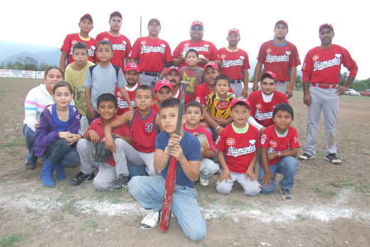 Equipo Diamantes en el softbol del Club Sertoma