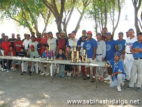 Torneo triangular de softbol